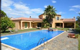 Argeles Sur Mer au coeur d'une propriété arborée de plus de 2000m2 villa méditerranéenne avec piscine privative à 2 p...