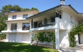 FR-1-327-67 - Belle villa familiale avec piscine.