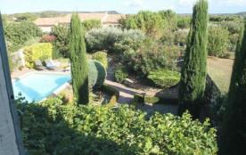 Jolie maison de charme avec jardin à l'anglaise et piscine