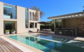 squarebreak, Luxueuse villa contemporaine au cœur de Saint-Trop