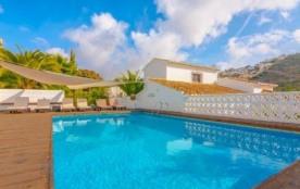 Belle villa avec piscine privée à Moraira pour 6 personnes, sur la Costa Blanca.