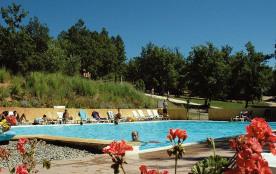 La Colline des Ocres, village de vacances en Provence, venez vous reposer à deux pas des sentiers...