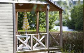 Le camping de Saint-Gervais, comptant 19 emplacements spacieux et semi-ombragés, 2 Mobil-Home réc...