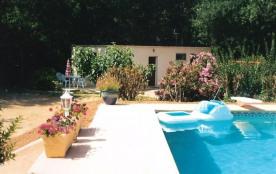 HYERES  var) - Maison indépendante piscine sans vis à vis sur terrain 3000 m²