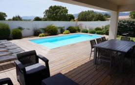 Située à seulement 1,5 km de la plage de sable de Saint Cyprien et de ses eaux turquoises. Sur un...