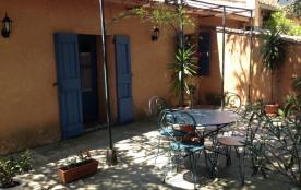 Gîtes de France des Gens - Petite maison de village accolée à la maison du propriétaire au cœur d...