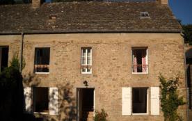 Gîtes de France - L'âme cotentine du gîte se retrouve à travers sa toiture ou son escalier de pie...