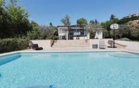Jolie maison avec piscine près de Saint-Paul