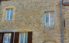 Gîte Les Marcassins à Renwez - à 13 Km de Charleville-Mézières Maison semi-mitoyenne rénovée comp...