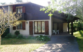 Villa-patio de 64 m² environ pour 6 personnes, situé à 2000 m des plages et à 300 m des commerces...