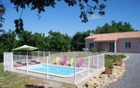 Gîte 8 personnes, de plain-pied avec piscine privée, au calme