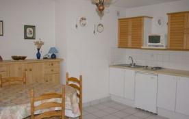 Studio-cabine pour 4 personnes, parking, lave-linge, lave-vaisselle.