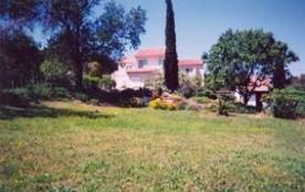 Partie de la maison du propriétaire comprenant un autre gîte, situé en campagne, très belle vue p...