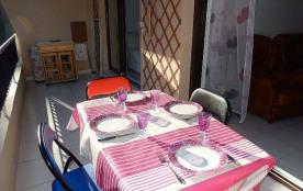 Antibes (06) - Centre - Résidence Heliopolis. Appartement T3 - 68 m² environ - jusqu'à 4 personne...