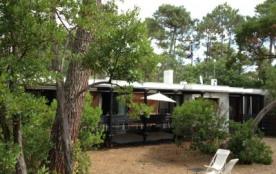Cap-Ferret centre, 3 mn plage, villa 6 pers. terrasse et grand jardin arboré