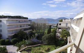 Appartement toit-terrasse - Appartement de 95 m² rénové.