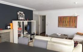 zeer ruim appartement aan de Lippenslaan vanaf va 60/dag