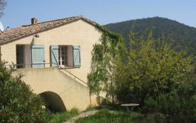 Domaine des Fouques - Dans domaine viticole maison de 3 gîtes avec accès indépendants.