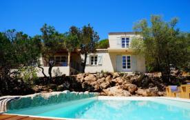 squarebreak, Villa dans la pinède, avec piscine, près de Palomb