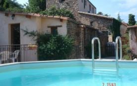Gîtes ruraux de charme avec piscine privative entourés par la forêt des Aspres - Caixas