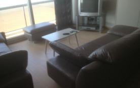 Vernieuwd (2010) appartement met zicht op zee .