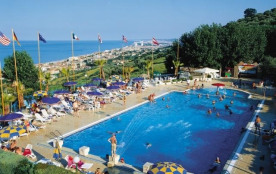 Centro Vacanze Europe Garden, 50 emplacements, 135 locatifs