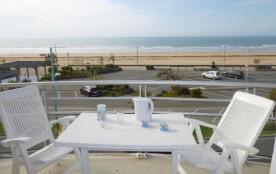 Appartement 1 pièce + cabine de 27 m² environ pour 4 personnes située à 50 m de la plage, à proxi...