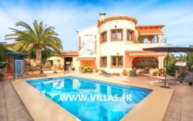 Villa VM Lucas - Villa dispose d'un aménagement intérieur simple et de bon confort.