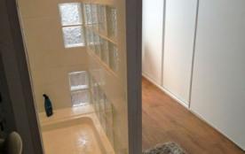 salle d'eau 1wc , 1 grande douche