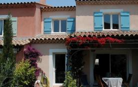 Six Fours, la Coudoulière. Au calme, proche,bois, mer et commerces. maison 100 m2, 3 chambres. Petite piscine , jardin
