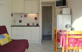 Port-Leucate(11) - Quartier naturiste - Aphrodite village. Studio - 15 m² environ - jusqu'à 2 per...