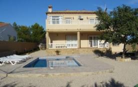 IB-4631 - Située dans le quartier de Las Tres Calas à l'Ametlla de Mar, cette villa pour 8 à 10 p...