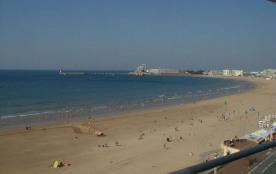 Face à la mer et à la grande plage des SABLES D'OLONNE, agréable TYPE 3 :