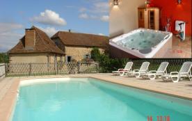DEUX BEAUX GITES avec piscine, jacuzzi, sauna...