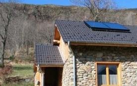 Exposée plein sud, cette maison a été construite dans le respect de l'environnement et des matéri...