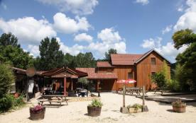 Camping Les Deux Vallées, 91 emplacements, 19 locatifs