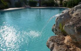 VALRAS PLAGE Appartement avec piscine et parking