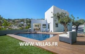 Villa OL ISI - Impressionnante villa de style moderne avec piscine privée.