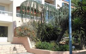 Entree et jardin privatif