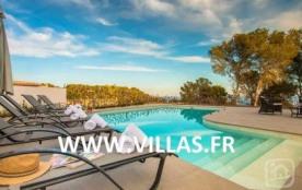 Villa moderne et confortable pour 8 personnes profitant à la fois de sa piscine privée et d'une s...