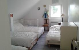 1er étage. Le dortoir. 5 couchages + lit bébé