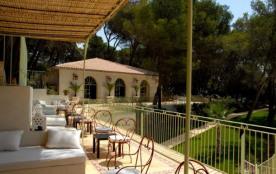 Camping Résidentiel La Pinède - Mobil-home Florès 2 chambres 30m²
