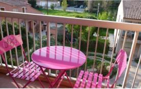Appartement dans résidence avec piscine F245