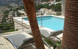 Villa El Cielo est une grande et belle maison de vacances luxueuse avec piscine privée offrant un...