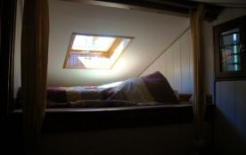 chambre de gauche :mezzanine matelas 140cm