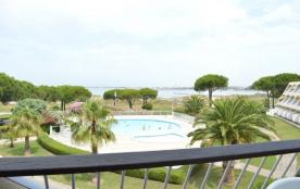 Appartement deux pièces de 44 m² environ pour 6 personnes situées dans le quartier nord de Port C...