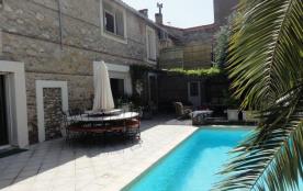A 5km des plages catalanes, maison en pierre climatisée 12 pers piscine privative!