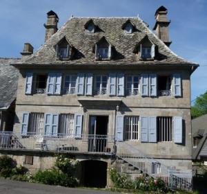 location vacances huis mandailles-saint-julien