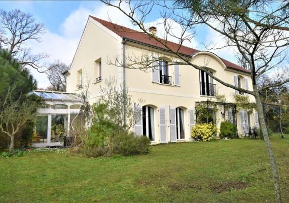 Maison de famille chambourcy m maison with maison de famille chambourcy best chambourcy maison for Achat villa de prestige