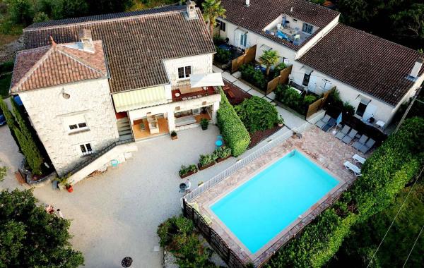 Ordinaire Gîtes Avec Piscine Sud Ardèche.Le Mas Du Vieux Chêne. Vallon Pont Du0027Arc